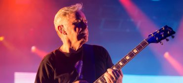 Bernard Sumner, do New Order