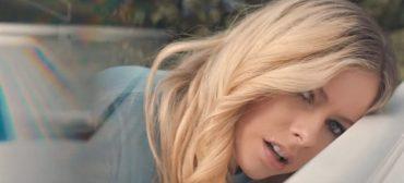 "Avril Lavigne lança ""Tell Me It's Over"", segunda faixa do álbum Head Above Water"