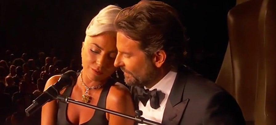 """Lady Gaga e Bradley Cooper fazem apresentação emocionante de """"Shallow"""" nos Oscar 2019"""