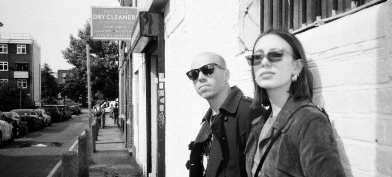 Descubra o duo ítalo-brasileiro Hate Moss