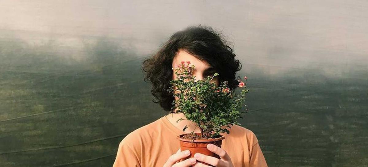 'tocar em flores pelado', de Gabrre